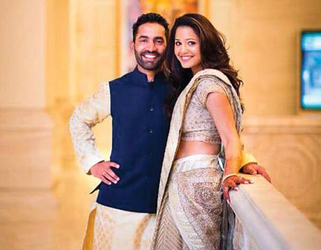 8 - 15 Cricketers And Their Hottest Wives.!!