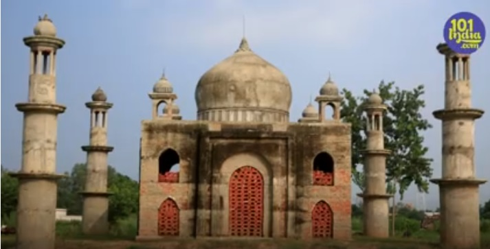Taj Mahal - Meet The Man Who Built Another Taj Mahal For His Wife Who Died Of Cancer.!!