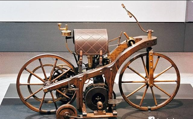 9 - World's First Motorcycle