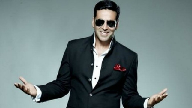 1 - Akshay Kumar Sets A Unique Record In Bollywood Beating All Khans.!!