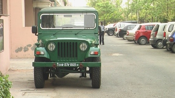 3 - Here's The Reason Behind Indian Vehicles Different Coloured Number Plates.!!