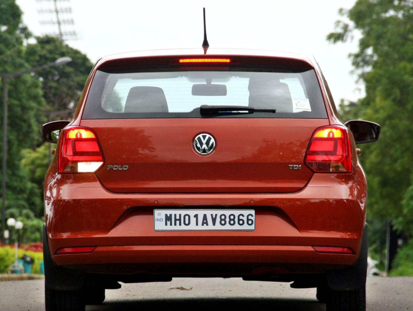 6 - Here's The Reason Behind Indian Vehicles Different Coloured Number Plates.!!
