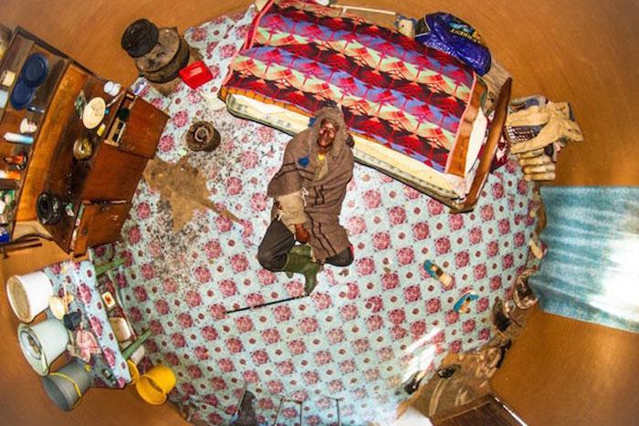 10 - 21 Aerial Pictures Of People's Bedrooms Perfectly Capture The Essence Of Their Life.!!