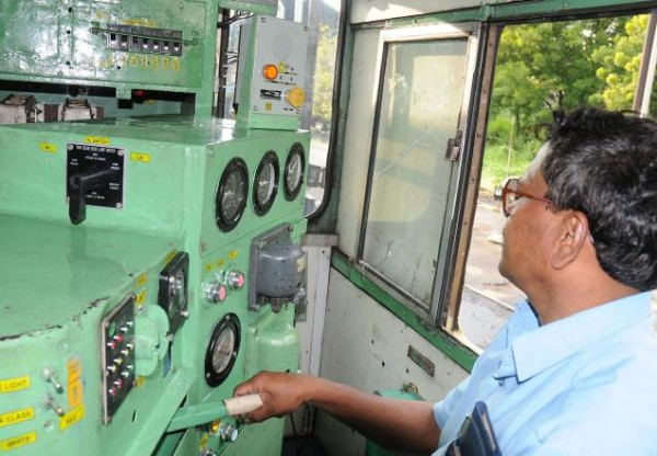 11 - 11 Interesting Facts You Should Know About Indian Railways.!!