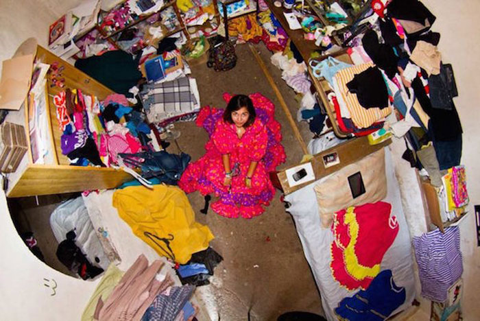 14 - 21 Aerial Pictures Of People's Bedrooms Perfectly Capture The Essence Of Their Life.!!