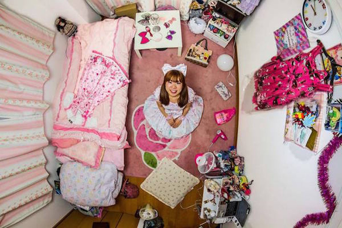 18 - 21 Aerial Pictures Of People's Bedrooms Perfectly Capture The Essence Of Their Life.!!