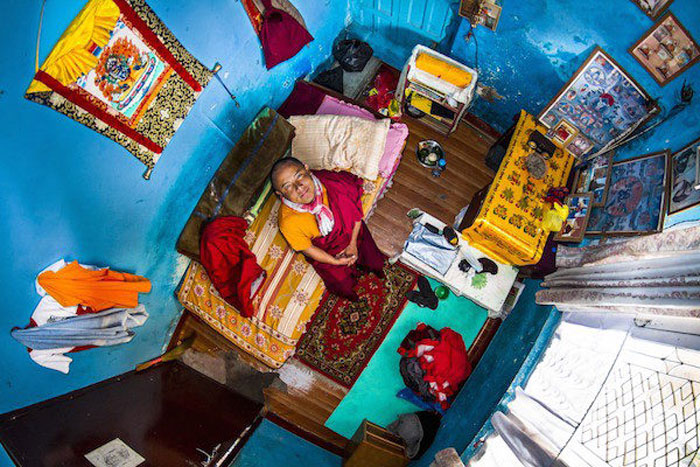 9 - 21 Aerial Pictures Of People's Bedrooms Perfectly Capture The Essence Of Their Life.!!