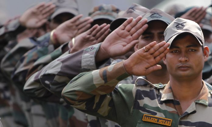 2 - Here's Why The Air Force, Indian Army And Navy Salutes Differ From Each Other.!!