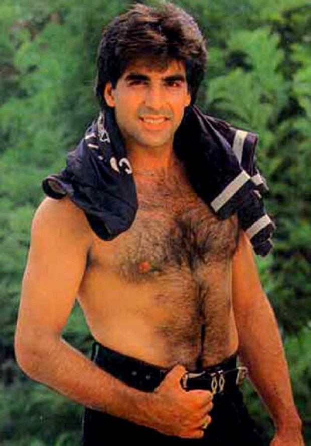 21 - 23 Pictures That Proves Bollywood Fashion In The 90s Was A Disaster.!!