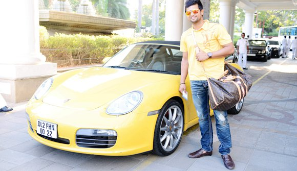 6 - 8 Cricketers And Their Expensive Cars
